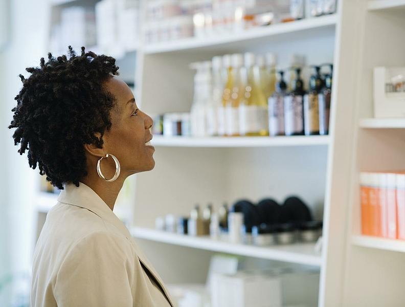 les 10 meilleurs salons de coiffure afro et instituts de beaut pour les peaux noires black. Black Bedroom Furniture Sets. Home Design Ideas