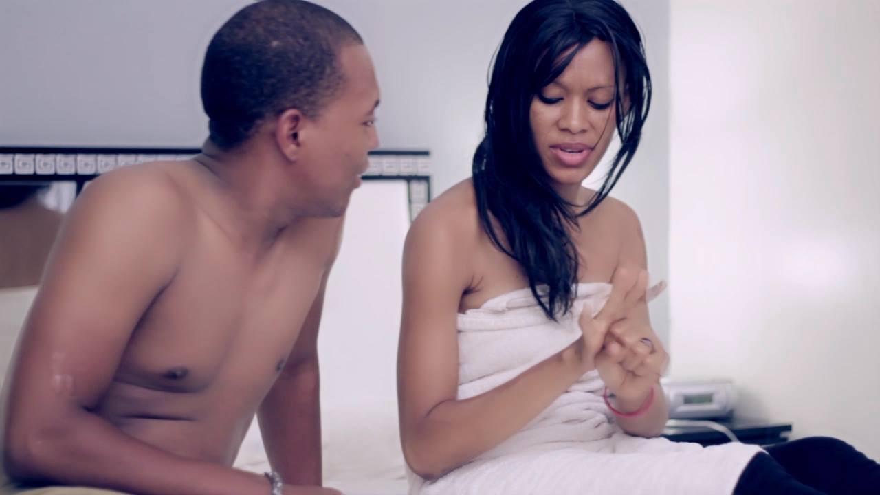 Vie de couple entre luxe et solitude le calvaire des - Amour entre femme et homme dans le lit ...